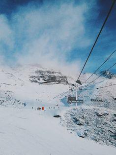 blue skies >> white snow