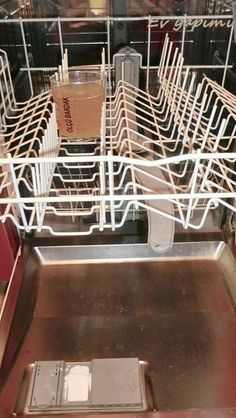 The inside of the dishwasher really gets dirty over time and lime stains form. need cleaning in her … Turkish Kitchen, Cruelty Free Makeup, Natural Cleaning Products, Home Hacks, Diet And Nutrition, Fun To Be One, Clean House, Cleaning Hacks, Home Accessories