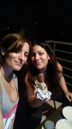 Comiendo mexican food con Romi