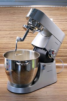 Moravské vdolky - Meg v kuchyni Kenwood Major, Kitchen Aid Mixer, Kitchen Appliances, Food And Drink, Cooking Tools, Kitchen Gadgets