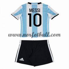 Argentina 2016 Fotballdrakter Barn Lionel Messi 10 Kortermet Hjemme Draktsett Fotball Messi 10, Lionel Messi 2016, Messi Barcelona 2016, Messi Shirt, Kobe, Sports, Soccer Jerseys, Little Girl Fashion, Slip On