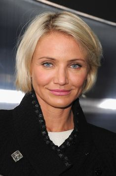 her hair seems to just fall, too, and she carries it off with lots o' balls. @Ashley Lindbert   Cameron Diaz Hair