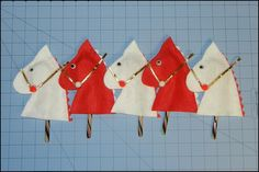 hobby horse candy cane holders or ornaments #freepattern #christmas