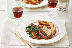 This filets mignons with brandy cream sauce recipe is a perfect for a special-occasion dinner. Be sure to cook the sauce in the same pan as you cooked the filets for extra flavour. Photo by Ronald Tsang. Over Roasted Potatoes, Roasted Potato Wedges, Meat Steak, How To Grill Steak, Brandy Cream Sauce Recipe, Beef Recipes, Cooking Recipes, Beef Meals, Filet Mignon