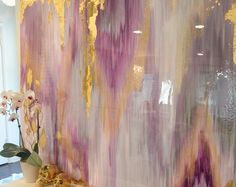 Vendu!! Acrylique Abstrait Art grande toile peinture gris, argent, or Ikat Ombre paillettes de verre et résine manteau 48 « x 60 » véritable feuille d'or