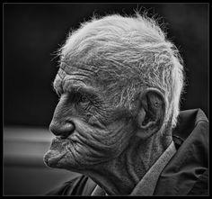 old man neck profile - Cerca con Google