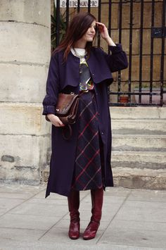 How to Wear Your Midi Skirt This Winter - Fashion Style Mag Fall Winter Outfits, Autumn Winter Fashion, Winter Chic, Modest Fashion, Skirt Fashion, Vestido Dress, Looks Style, My Style, Look Fashion
