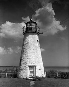 As the second oldest lighthouse in Maryland and the oldest that is accessible to the public, the Concord Point Lighthouse is the Northern-most lighthouse on the Chesapeake Bay. It was built in 1827 and is located in Havre de Grace. The first keeper was John O'Neill, who was a hero in the War of 1812 and is buried near the lighthouse. It was decommissioned in 1975 but still shines nightly.