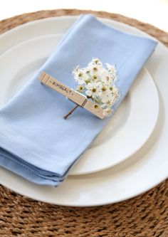 DIY peg place setting - paint in wedding colours & peg coordinating flowers