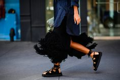 The Best Street Style at New York Fashion Week. Yeeeeeesssss!