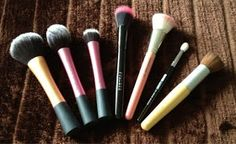Bubbles on: Beauty, Fashion and Life!: My Top 7 Makeup brushes I can't live without!