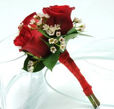 Petite Rose Bouquet red and white   ...   Gorgeous wedding flowers bouquets for your Las Vegas wedding day