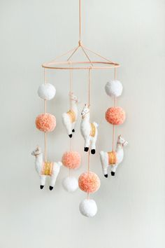 Lama and Pompom Mobile for the kids room or just like that. Are you on Etsy?- Lama und Pompom-Mobile für's Kinderzimmer oder einfach so. Gibt's auf Etsy. Lama and Pompom Mobile for the kids room or just … - Baby Room Decor, Nursery Decor, Room Baby, Baby Crafts, Kids Crafts, Baby Dekor, Baby Mobile, Easy Baby Blanket, Ideias Diy