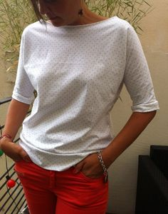 t-shirt loose Voir tuto : http://p8.storage.canalblog.com/81/32/589295/72218463.pdf