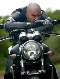 Unsure who yet, just know he is Rebel Wayfarers material! Moto Bike, Motorcycle Leather, Macho Alfa, Web Pics, Bike Leathers, Biker Boys, Easy Rider, Tough Guy, Hairy Men