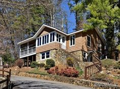 $284,900 - Pinned April 2015 - 406 Rolling Dr, Waynesville, NC 28786
