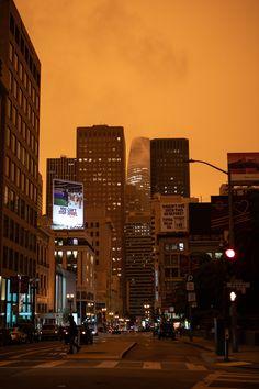 city buildings under orange sky during sunset photo – Free City Image on Unsplash