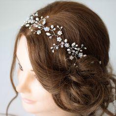 Headpiece Wedding, Hair Vine, Hair Pieces, Salons, Hair Styles, Flowers, Accessories, Flower Crowns, Wedding Ideas
