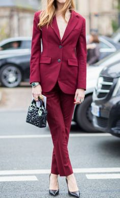 Of course Chiara Ferragni has a front row seat at Couture Fashion Week. Here she is killing it in a Dior burgundy suit complete with net headpiece. New Street Style, Street Style Looks, Street Chic, Paris Street, Suit Fashion, Fashion Week, Fashion Outfits, Fashion Trends, Street Fashion