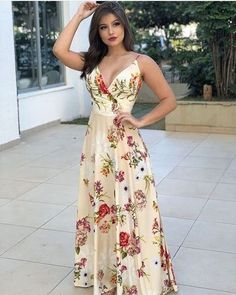 Looks para reveillon 2019 - Dicas para arrasar nas festas de fim de ano - Best Tutorial and Ideas Dress Outfits, Casual Dresses, Fashion Dresses, Prom Dresses, Summer Dresses, Formal Dresses, Mein Style, Floral Maxi Dress, Floral Skirts