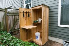 How to Build a DIY Garden Storage Shed At Dunn DIY you can do it yourself with our How-to and DIY guides. It's a place where you can inspire and be inspired, a place where you can make it yours. Garden Shed Diy, Garden Storage Shed, Garden Steps, Diy Shed, Diy Garden Decor, Garden Tools, Small Garden Tool Storage, Small Storage, Storage Boxes