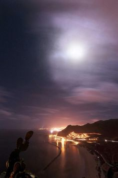 Full Moon Santa Cruz de Tenerife