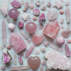 Pink collection of beauty  Shop link in bio.... #thecolourfuldot #rosequartz #calcite #rhodochrosite #beauty