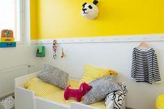 Yellow wall, tikkurila k302