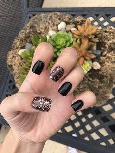 111 beautiful winter nail art designs that will melt your heart page 40 Sparkly Nails, Fancy Nails, Diy Nails, Pretty Nails, Nail Nail, Winter Nail Designs, Short Nail Designs, Nail Art Halloween, Halloween Spider