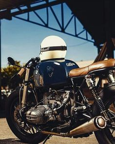 """""""Live simply dream big be grateful give love laugh lots"""" >> nite nite! by Pic by by caferacerdreams Cafe Racer Helmet, Cafe Racer Girl, Cafe Racer Bikes, Cafe Racer Motorcycle, Bobber Bikes, Motorcycle Helmets, Bike Bmw, Bmw Motorcycles, Custom Motorcycles"""