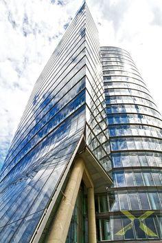 Image by dapraesi on YouPic Opera House, Skyscraper, Multi Story Building, Street, Travel, Image, Skyscrapers, Viajes, Traveling