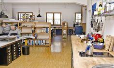 Arbeitsplätze in netter Bürogemeinschaft mit wunderschönem Garten #Büro, #Bürogemeinschaft, #Office, #Coworking, #München, #Munich
