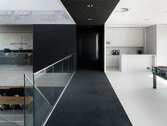 El estudio de arquitectura VMX cumplió con esta vivienda el deseo de su cliente de tener una mejor calidad de vida y disfrutar del exterior de su casa