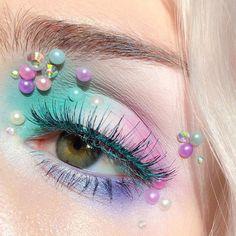 has us dreaming of a cupcake and candy wonderland! She wears Mochi eyeshadow, Pastel Goth palette and Mint Julep mascara! Kawaii Makeup, Cute Makeup, Pretty Makeup, Eye Makeup Art, Hair Makeup, Pastel Goth Makeup, Colorful Makeup, Pastel Goth Nails, Bright Makeup
