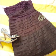 Beautiful Ombre Purple/Wine dress Pretty Shades of Purple/wine (ombre) strapless cocktail dress. Great to wear to a formal dance, a wedding or anywhere you need to dress up.    Brand: Anne Klein   Size: 10 Open to offers  Anne Klein Dresses Prom