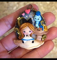Polymer Clay Disney, Cute Polymer Clay, Fimo Clay, Polymer Clay Charms, Polymer Clay Creations, Polymer Clay Earrings, Polymer Clay Painting, Clay Art, Clay Keychain