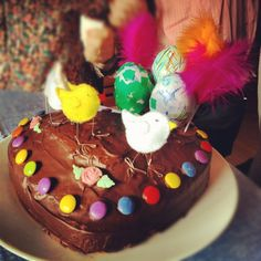Mona de Pasqua amb tutorial per als ous i per als pollets de feltre