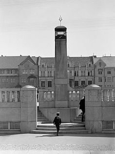 Market Hall - Kaartinhalli Kasarmitorilla Helsinki 1908 - I. K. Inha (1865 - 1930)