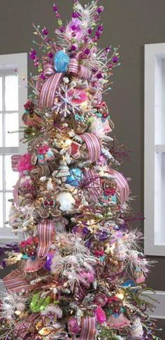 A pastel Christmas tree!!! Love this!!! Bebe'!!!