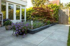 MBI Geoceramica Evoque Greige 60 x 60 x 4 cm Sidewalk, New Homes, Home And Garden, Backyard, Outdoor Structures, Deco, Plants, House, Garden Ideas