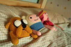 Hora de Aventuras.  Amigurumi de Jake, Finn y la Princesa Chicle enviado por Jaime Mestre.