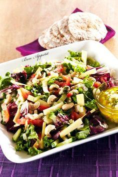 Juustosalaatti päärynä-vinaigrettekastikkeella | K-ruoka #uusivuosi