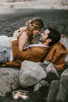 Elopement en la playa Tenerife Sea, Romantic, Goals, Couple Photos, Couples, Beach, Couple Shots, Romance Movies, Romantic Things