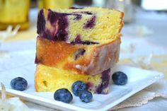 Chec cu afine si lamaie | Miremirc French Toast, Pudding, Sweets, Breakfast, Desserts, Recipes, Food, Morning Coffee, Tailgate Desserts