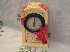 Tutorial: Decoupage su orologio in MDF con cracklè country e fiori