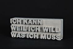 Drei kurze Zeilen und dahinter die große Welt des Immanuel Kant ...  Das was für mich - und nicht für andere - tun muss, das kann ich auch. Weil ich es wirklich will. Ein Ziel, ein Wille, ein...