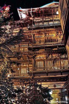 長野縣的渋温泉金具屋旅館「斉月楼」
