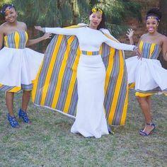 Photos and Videos African Maxi Dresses, African Wedding Dress, African Attire, Venda Traditional Attire, Ghana Wedding, African Traditional Dresses, Fashion Corner, Big Girl Fashion, African Print Fashion