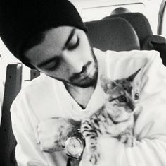 Zayn, 'I Can't Go On Normal Dates Now' - http://oceanup.com/2014/06/25/zayn-i-cant-go-on-normal-dates-now/