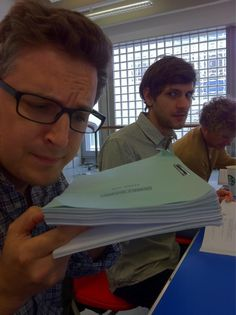 Ben Willbond, mathew baynton and in the background simon farnaby King Crush, Mathew Baynton, There Goes My Hero, Horrible Histories, British Things, British Humor, History Memes, Daddy Issues, Stupid Funny Memes